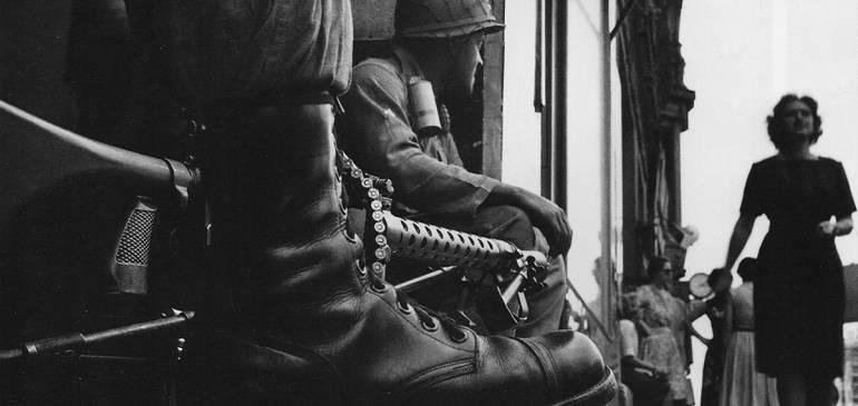"""Charla gratuita: """"Vida y obra de Don McCullin: reportero de guerra"""""""